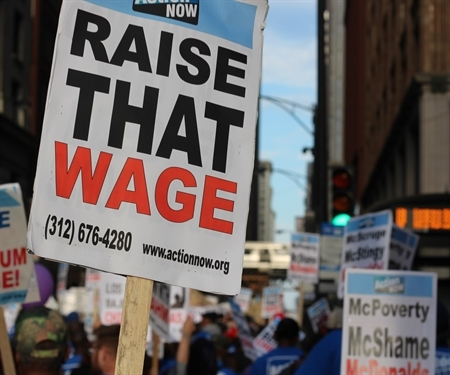 More than half of Chicago family households do not earn a living wage