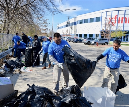 Comcast and MPC Join to Clean Chicago River Shoreline on Comcast Cares Day
