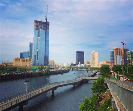 Banking on Success: In Philadelphia, two waterfronts make their way back into the public consciousness